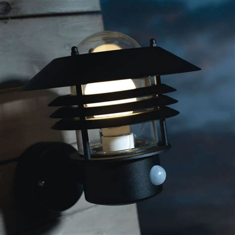 Outdoor Lighting With Pir Vejers Pir Outdoor Light Up Black 25101003 163 79 16
