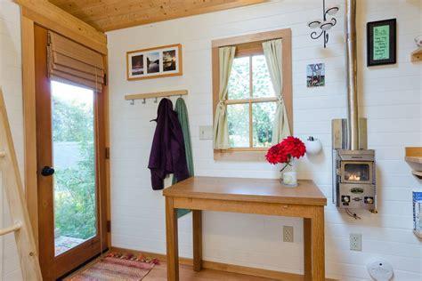 tiny house tour bayside bungalow the tiny life bayside bungalow tiny living