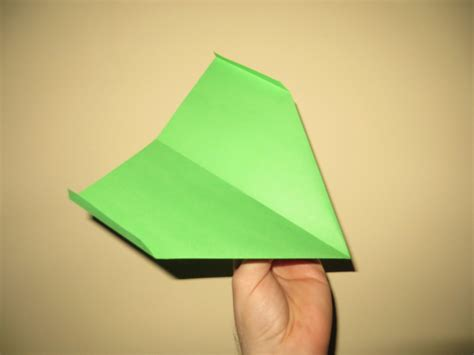 How To Make A Really Cool Paper Plane - how to make cool paper airplanes that fly far and