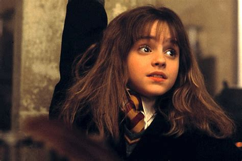 emma watson young harry potter this is why emma watson doesn t take pictures with fans
