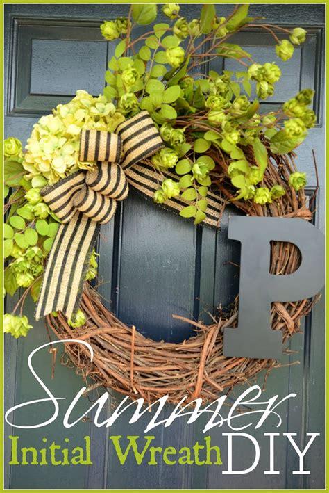 summer initial wreath diy stonegable