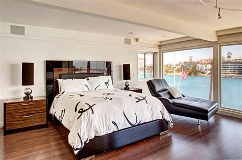 Bedroom Paint Ideas With Hardwood Floors 28 Master Bedrooms With Hardwood Floors