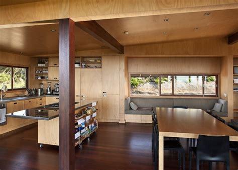 sur la table kitchen island maison design en bois tutukaka house