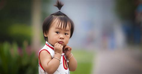 child in china ends one child policy allowing families two children the new york times