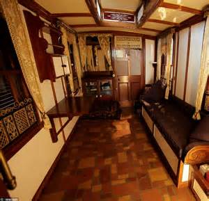 Mobile Home Interior Design Uk World S Oldest Caravan Makes Its Final Journey Daily