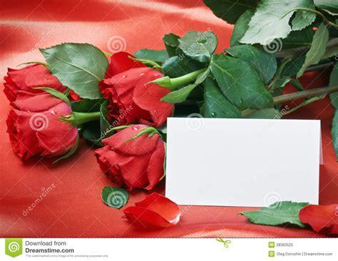 imagenes tarjetas rojas rosas rojas y tarjeta blanca con un lugar para un texto