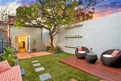 23 Small Backyard Ideas How To Make Them Look Spacious And Landscape Design Ideas For Small Backyards