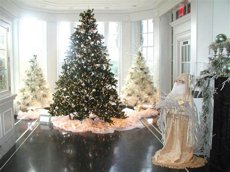 winter home decorating ideas holiday decorating and entertaining ideas how tos hgtv