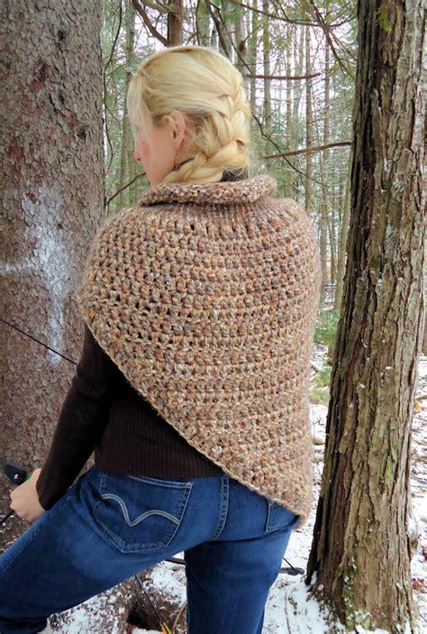 crochet pattern katniss cowl it s like a dystopian hug a free katniss cowl wrap
