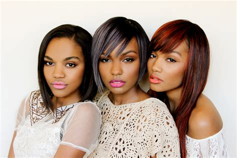 sister site cambio q and a with mcclain plus find out their celeb