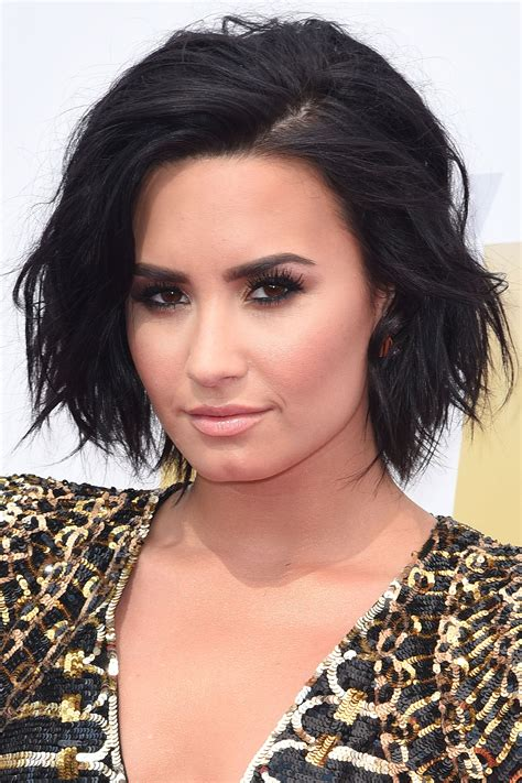 Demi Lovato Hairstyles by Trendy Wavy Bob Haircuts To Win Hearts Hairstyles