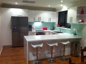 Beautiful Tile Colors For Kitchen Floor #5: Kitchen-benchtop_austral-white-glass-splashback.jpg