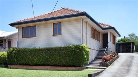 brisbane median house price pushing 500 000