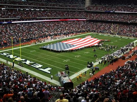 houston texans stadium texans reliant stadium to host bowl li