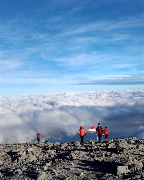 film gunung terbaik indonesia 10 gunung dengan lautan awan terbaik di indonesia