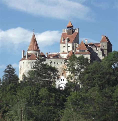 bran castle romania file castelul bran 2012 jpg wikimedia commons