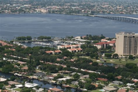 waterfront vacation homes waterfront vacation homes your florida waterfront home