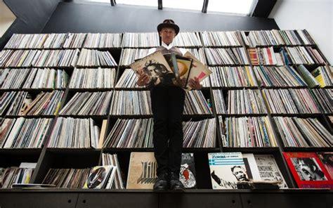 librerie che comprano libri usati dentro il mondo vinile la moda 2014 che gi 224