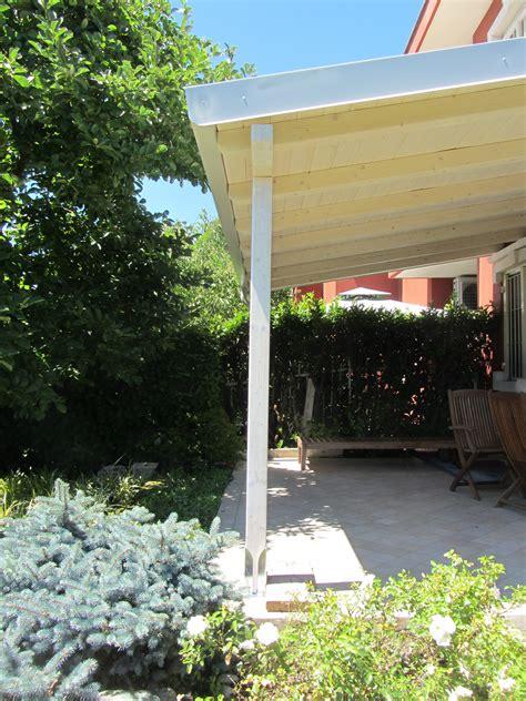 tettoia di legno tettoia in legno finitura bianco spazzolato cereda