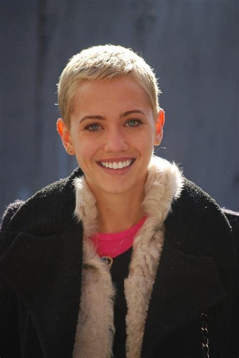 short hairstyle  women  styles