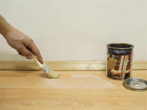 muffa sul pavimento come rimuovere le macchie di muffa dai pavimenti in legno