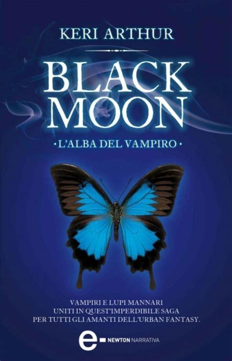 libro black and blue a black moon l alba del viro newton compton editori