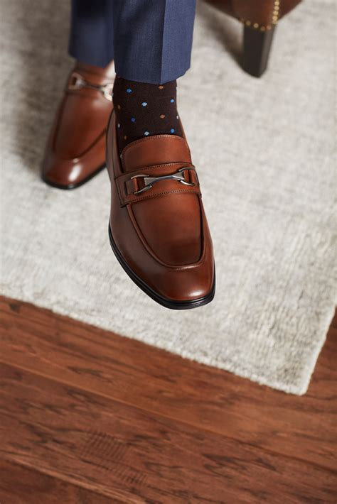 jc penney shoes tv personality michael strahan debuts shoe collection with