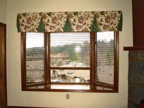 Modern Bay Window Curtains Decorating Modern Valances For Bay Windows Tricks To Make Image Of Green Loversiq