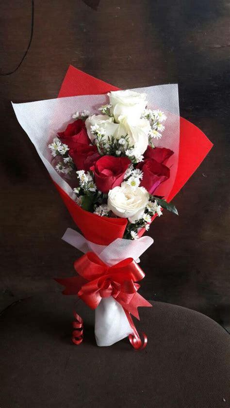 jual beli buket bunga kado bunga wisuda bunga mawar asli