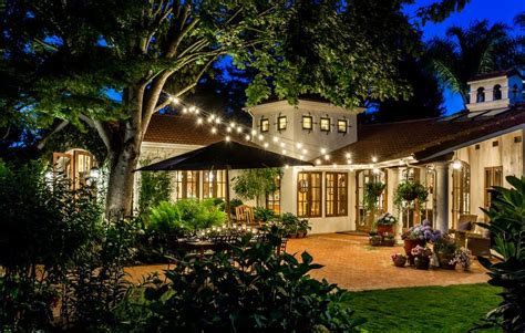 How To Choose Landscape Lighting How To Choose Outdoor Lighting To Create Focal Points