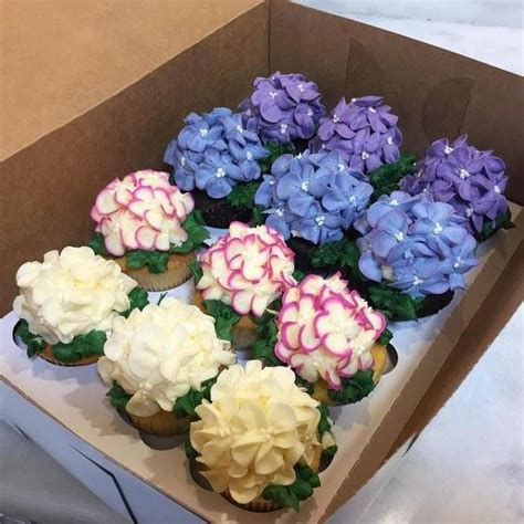 hydrangea cake 25 best ideas about hydrangea cupcakes on pinterest pretty cupcakes flower cupcakes and