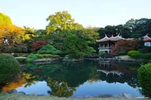 autumn 2013 shinjuku gyoen national garden lakbayer