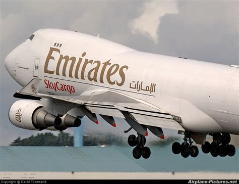 emirates membership login n497mc emirates sky cargo boeing 747 400f erf at