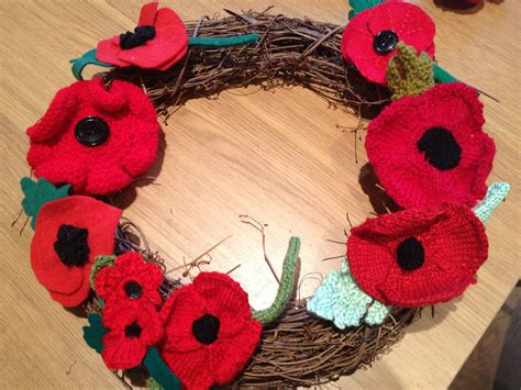 build a knitting patterns how to make a knitted or crochet poppy wreath