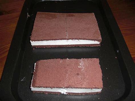 milchschnitte kuchen milchschnitte kuchen vom blech rezepte chefkoch de