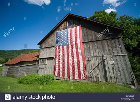 Usa Barns American Flag On A Barn In The Vermont Countryside Usa