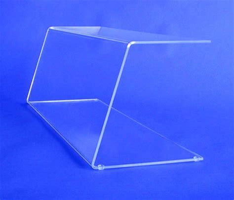 pare plexiglas vitrine et colonne plexiglass