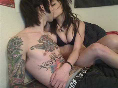tattoo hot kiss boy girl hot kiss tattoo image 449313 on favim com