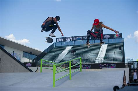 0839 Gamis Sleting Leticia nyjah huston and leticia bufoni at x 2015 the boardr