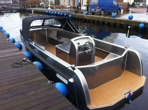 aluminium boot met inboard motor aluyard 700 cabin inboard sloepen en tenders pinterest