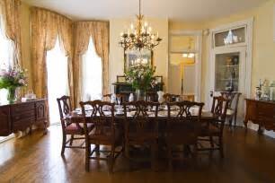 dining room in dining room