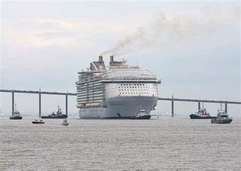 Monde Harmony harmony of the seas le plus grand paquebot du monde en escale dans 10 jours