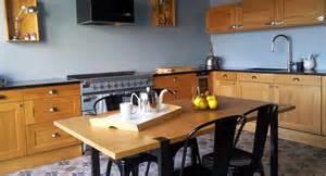 une cuisine moderne et rustique 224 la fois mission