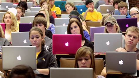apple education why do all uni students have macbooks the student room