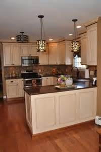 kitchen ideas for medium kitchens 1000 ideas about medium kitchen on large