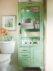 beach house bathroom storage