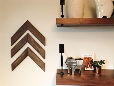 tutorial wall decor remodelaholic easy diy wooden arrow wall decor tutorial