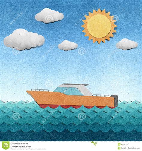 imagenes de barcos de material reciclado barco hecho del papel reciclado fotos de archivo imagen