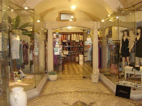 tendaggi napoli il corredo di matafora biancheria per la casa moda mare