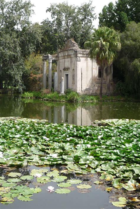 giardino inglese caserta file giardino inglese reggia caserta false rovine laghetto